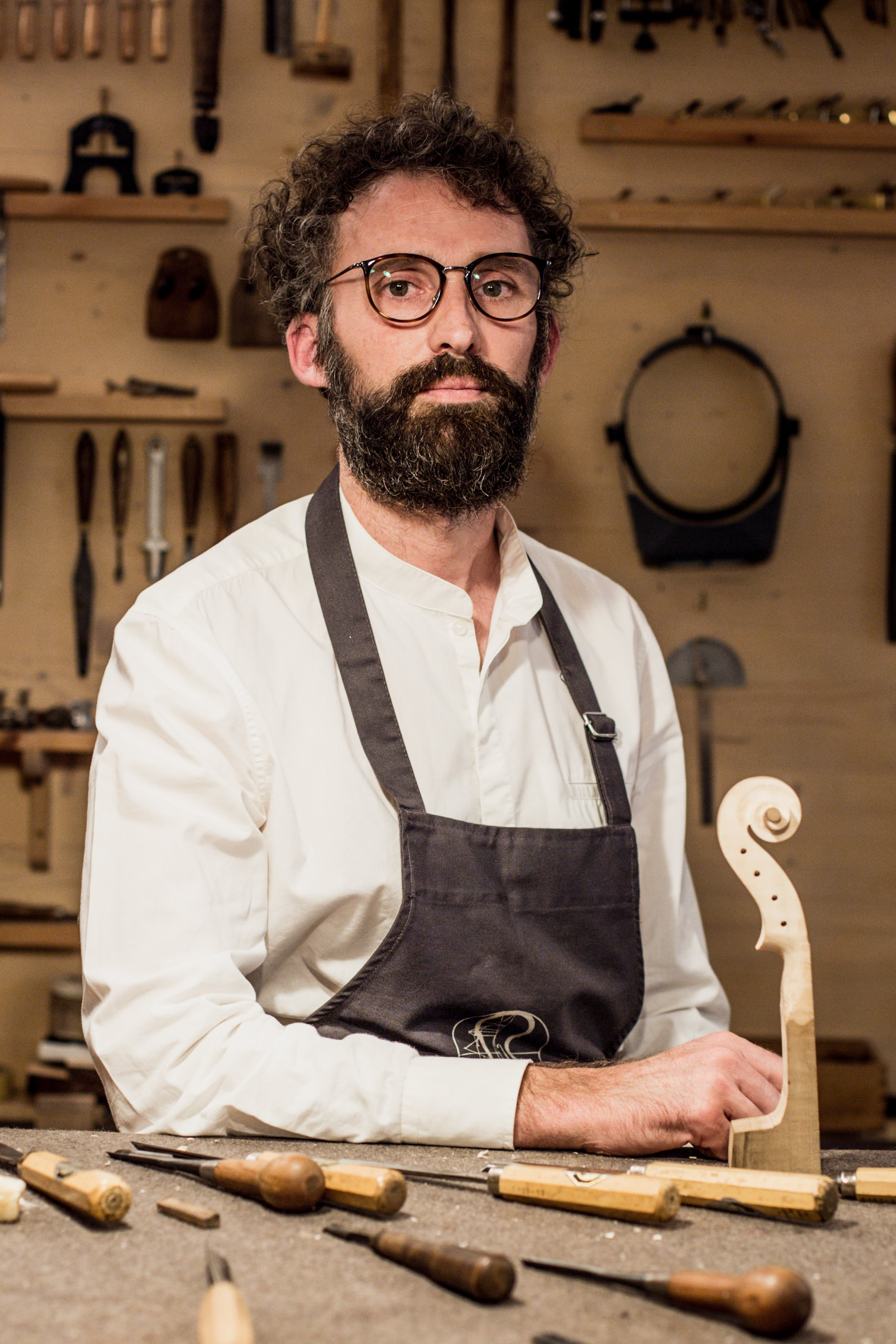 Luthier Marçal Serradesanferm